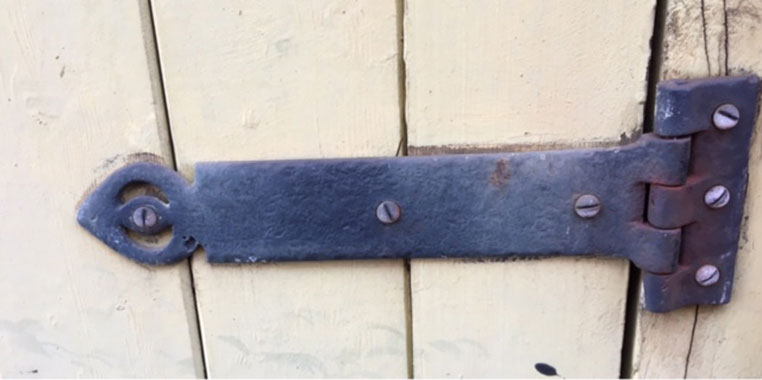 A t-hinge fitted approx 1995 receiving no product after care.
